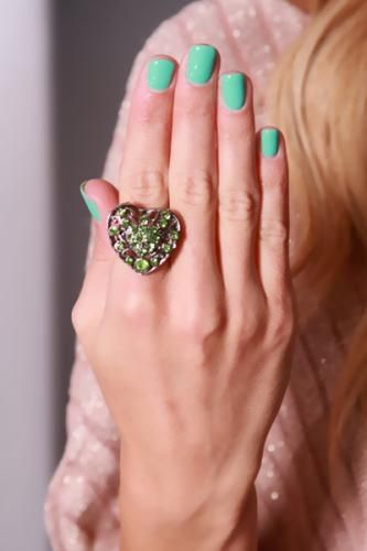 Pewter Green Heart Shape Rhinestone Decor Ring