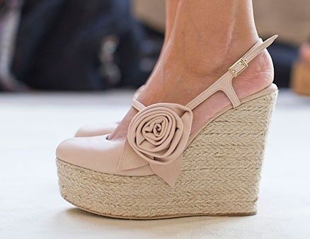 Adorable: Pink Flowers, Fashion Shoes, Luisa Beccaria, Summer Shoes, Pastel Pink, Cute Wedges, Woman Shoes, Wedges Shoes, Pink Rose