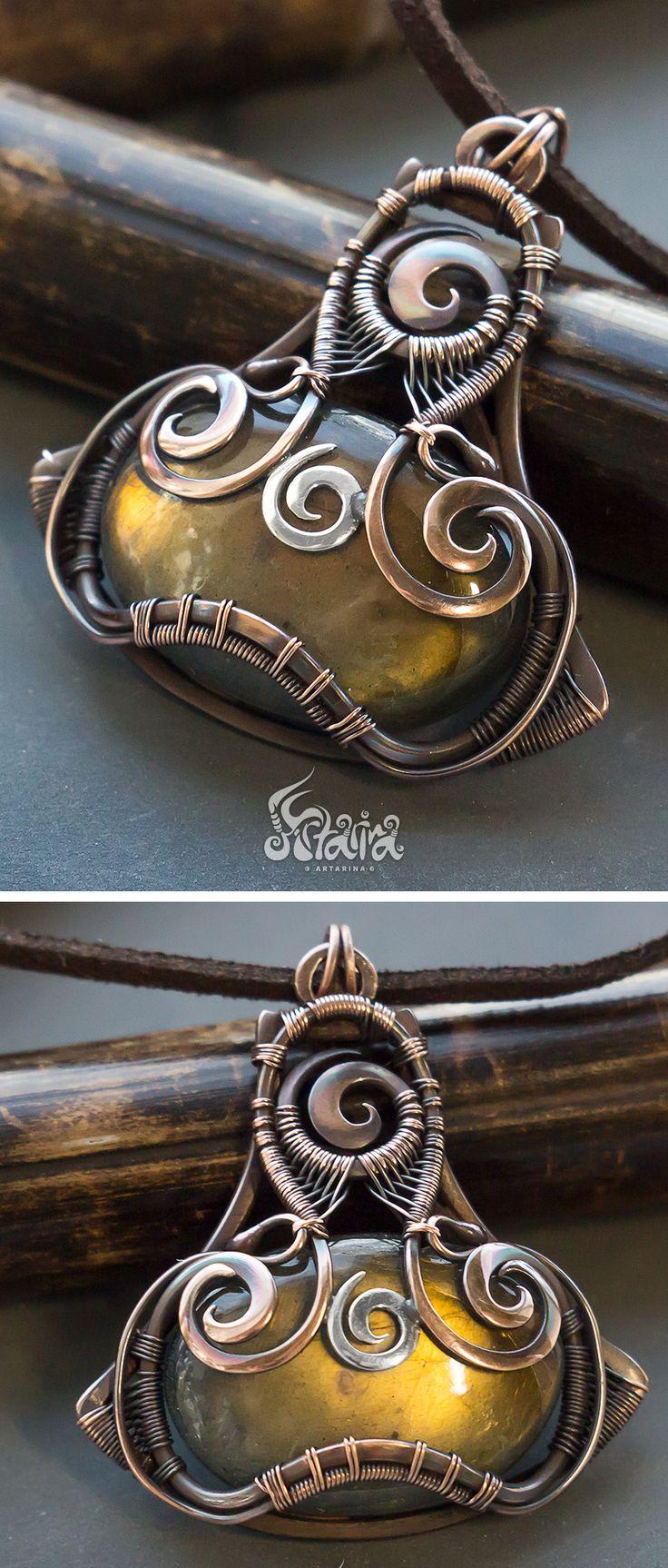 Copper wire wrapped pendant with labradorite