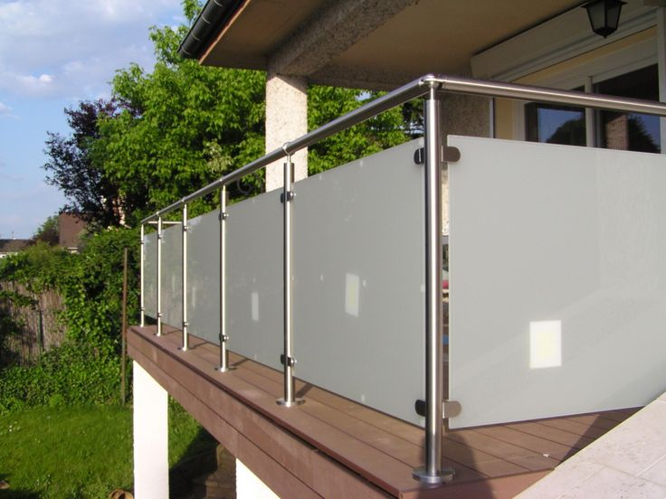 Garde corps balustrade inox verre avec vide sous la main courante