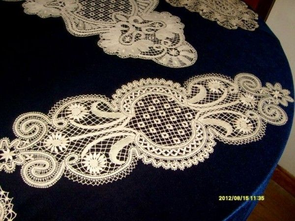Handicrafts with lacing