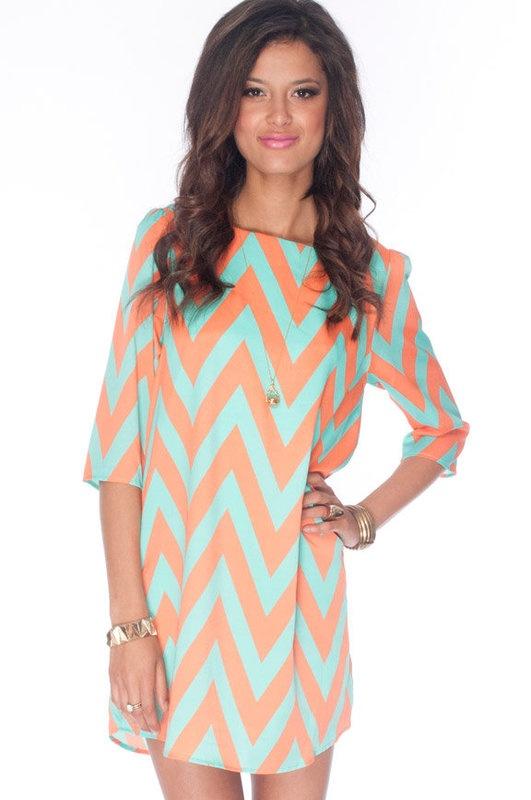 CUTE coral & aqua shift dress: Chevron Patterns, Colors Combos, Chevron Dresses, Dreams Closet, Chevron Shift, Shift Dresses, Skinny Pants, Zazi Shift, Chevron Stripes