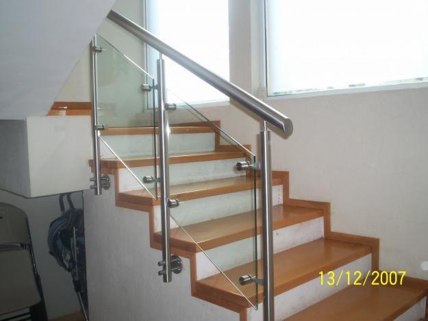 Barandales de cristal para escaleras buscar con google Escaleras herreria para interiores
