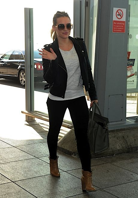 2012_Hilary-Duff-leaving-her-hotel-heading-to-Heathrow-Airport-in-London_fadedyouthblog.jpg 460×662 pixels