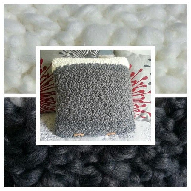 Chunky textured crochet cushion in grey and white #handcrafted #homeinteriors #handmade #homedecor #decor #cushion #crochetcushions #wool #texture#wolfandyarzz #crochet #crochetaustralia #bedroom #livingroom