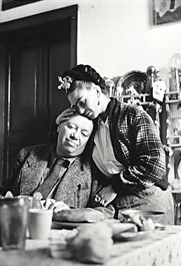 Diego Rivera and Frida Kahlo, 1941. Emmy Lou Packard, photographer. Emmy Lou Packard papers, Archives of American Art, Smithsonian Institution.