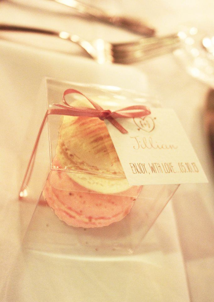 Danielle and Kyle's gorgeous macaroon favours complimented the colour palette and were a delicious gift idea for their guests.