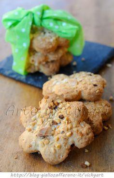 Biscotti di frolla morbida nocciole e mandorle
