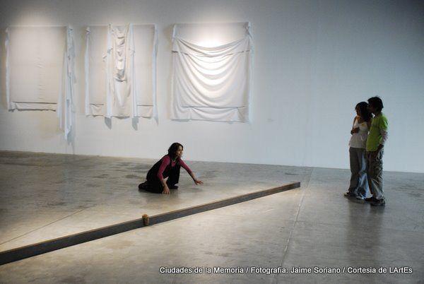 """""""Ciudades"""" en diálogo actoral con la exposición Arte Povera en el MUAC. 2010"""