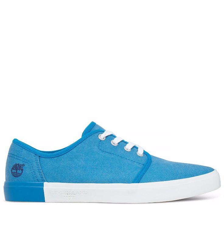 Réf : A1AY2 Les Sneakers Timberland Newport Bay Canvas Plain Toe Oxord vous enchanteront pour leur design dynamique et leur grand confort. Dotées d'une toile bleue en coton 100% biologique, d'un modèle à lacets et d'une doublure en maille filet 50% PET recyclé, ces chaussures possèdent tous les arguments nécessaires pour vous séduire.