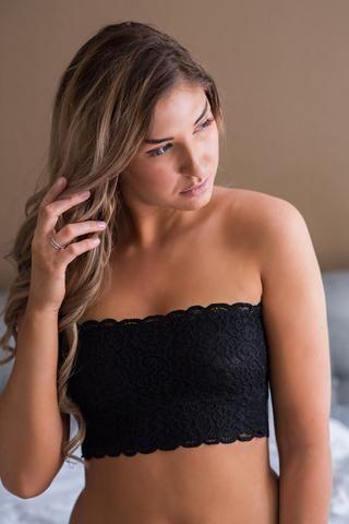 Edge of Desire Strapless Lace Bandeau Bralette (Black)