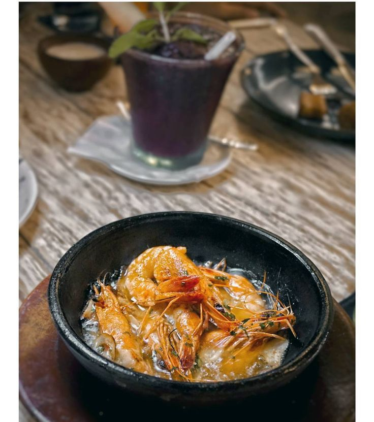 #Bali. Another delicious & must try menu from @LaFincaBali Gambas Al Ajillo: garlic and chili tiger prawns served in sizzling hot olive oil
