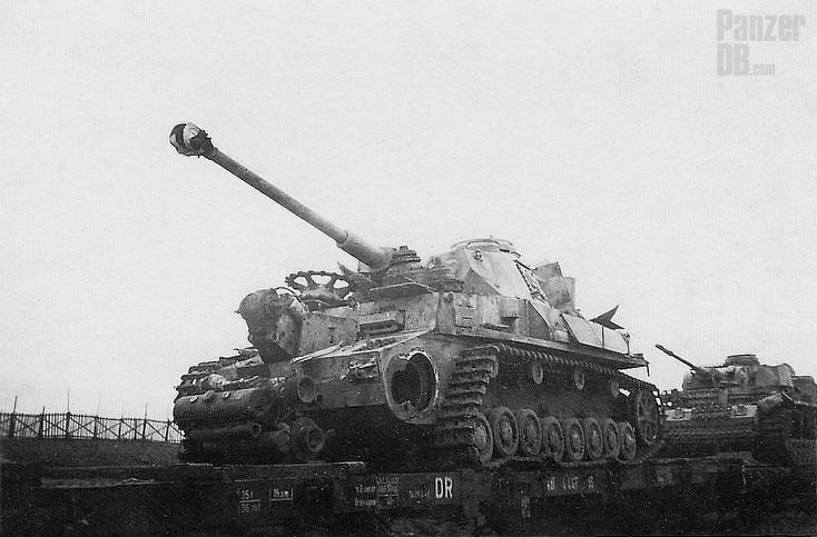 Heavily damaged Panzer IV lang and Panzer III lang sent back to the rear, maybe even to factory.