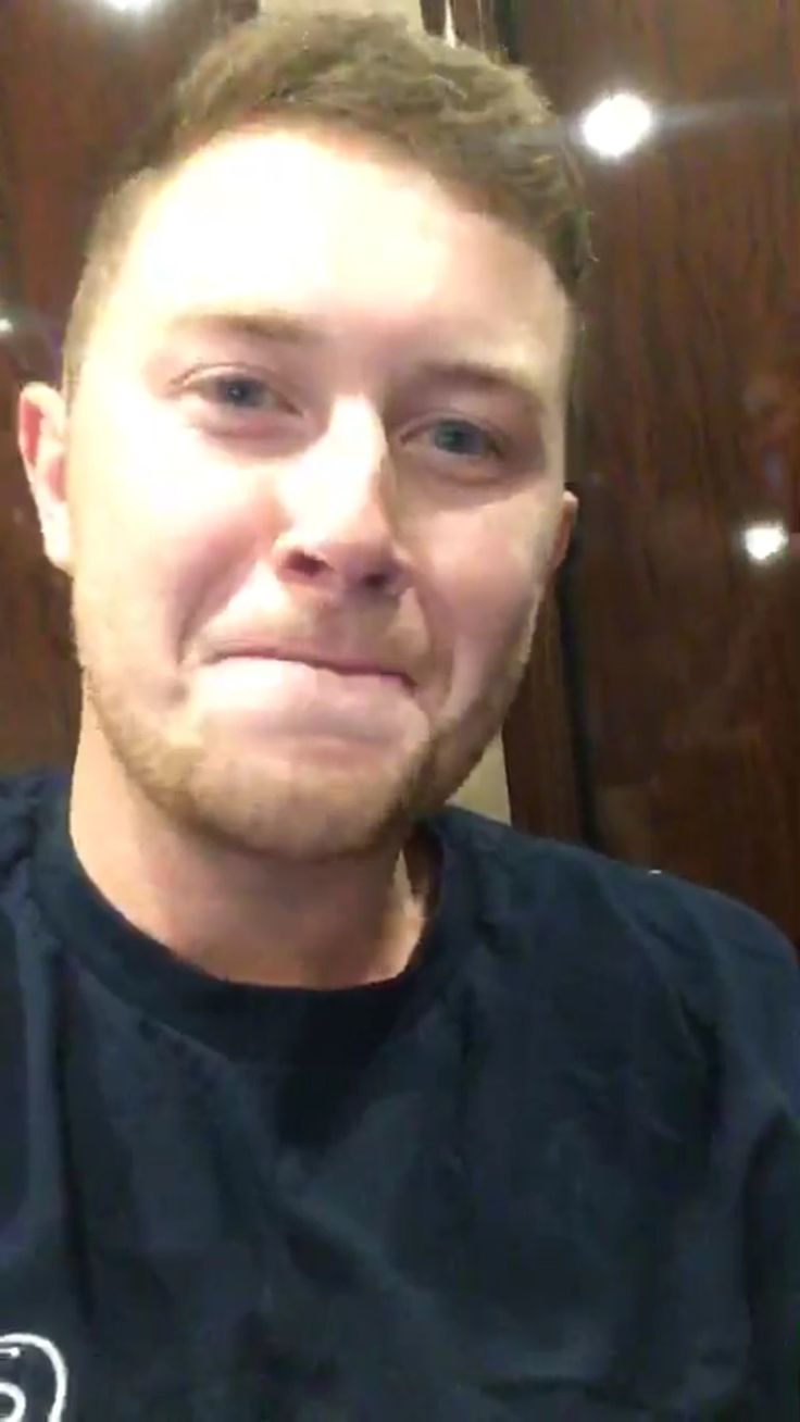 I love Scotty Mccreery so much