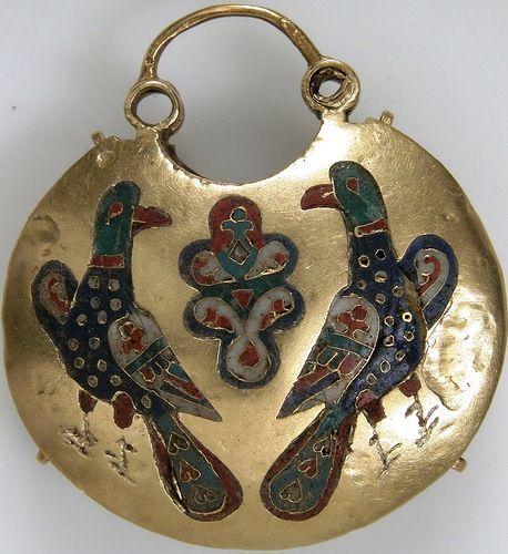 русские старинные драгоценности Находки старинных украшений.