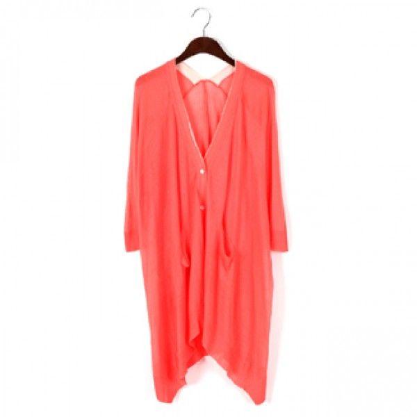 Today's Hot Pick :ネックラインバイカラーロングカーディガン【BLUEPOPS】 http://fashionstylep.com/P0000YEA/ju021026/out 落ち感と肌触りの良さが特徴のカーディガン☆ ドレープ感あるアンバランス裾で、合わせるコーディネートを選ばないデザイン。 春らしいカラー展開と配色がポイントです♪ これからのライトアウターとして活躍すること間違いなし! お手持ちのベルトを加えてボタンを閉じてワンピース風に楽しむのもおススメです。 身長によって着丈感が異なりますので下記の詳細サイズを参考にしてください。 ◆5色: アイボリー/オレンジ/イエロー/ブラック/ベージュ