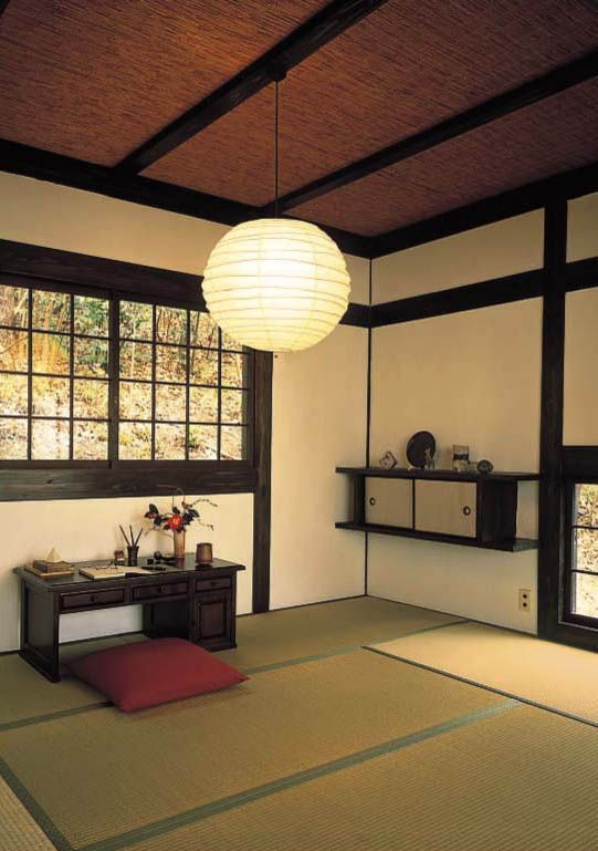 大昔から日本人の生活にはいつも畳がありました。日本の気候によくあった畳は私たちに快適な生活を提供してくれました。畳のある素敵な空間を集めてみました。