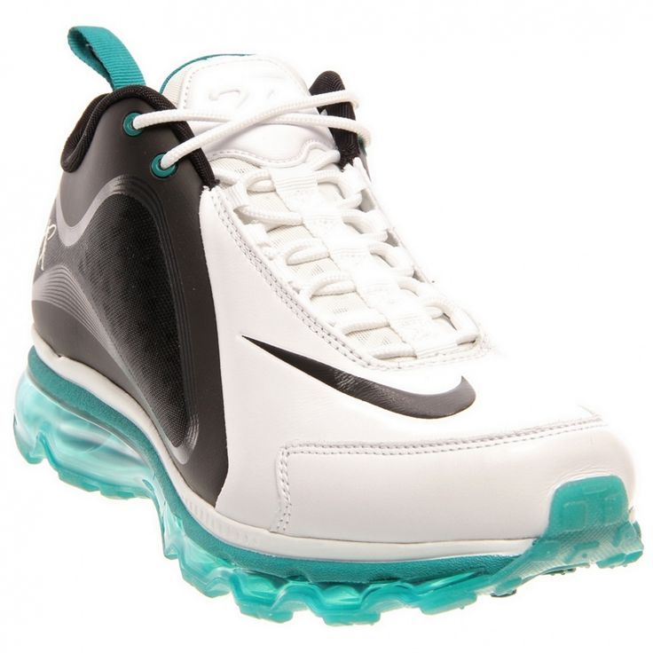 This Ken Griffey inspired Nike Air Griffey Max 360 men's training shoe offers lightweight comfort and support for any workout. These training shoes for men are built with a Hyperfuse upper for seamless durability and breathable comfort.'