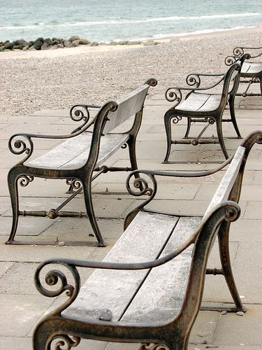 Every bench ♥ a story to tell.