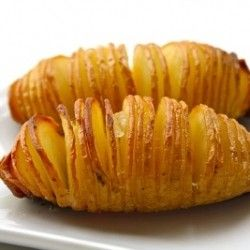 Sliced, baked potatoes - look at those crispy edges! Sliced, baked potatoes - look at those crispy edges! Sliced, baked potatoes - look at those crispy edges!Hasselback Potatoes, Olive Oil, Baked Potatoes, 40 Min, Potatoes Recipe, Swedish Version, Slices Baking Potatoes, Sea Salts, Thin Slices