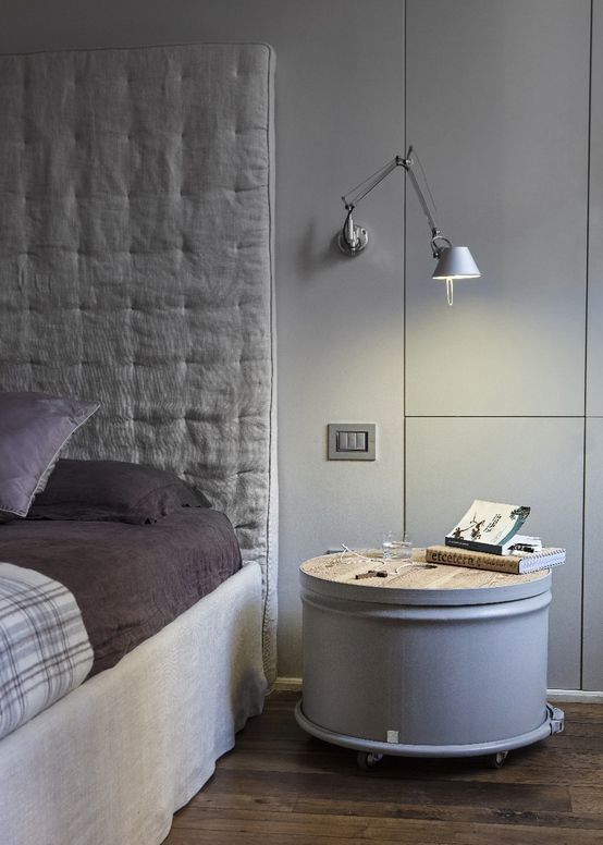 Barrel 12 in the bedroom - side bed table #recycling #barrel #reuse #design