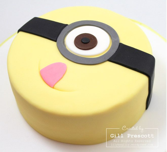 Birthday Cakes for Boys: Minion Cake via Lily by Gilly | Mum's Grapevine
