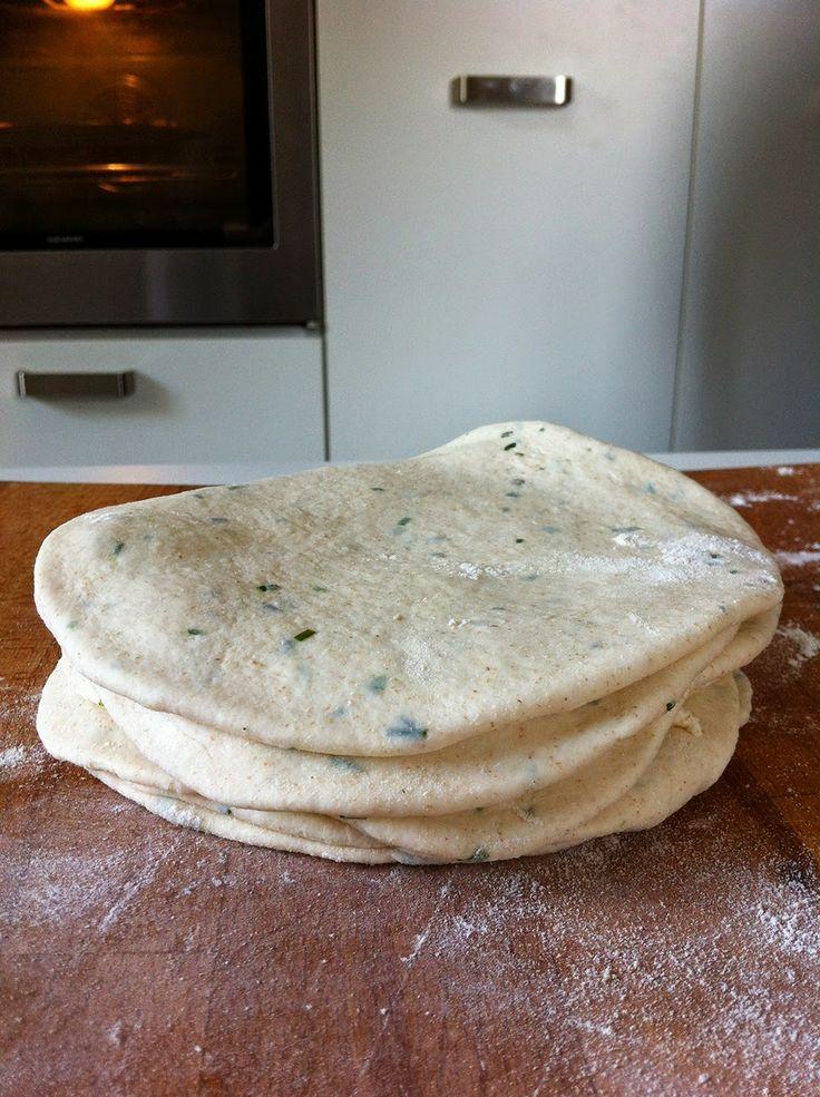 La fucina culinaria: I naan all'erba cipollina di Ottolenghi o forse pi...