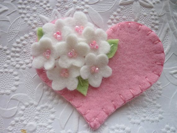 Felt Flower Brooch Pink Heart