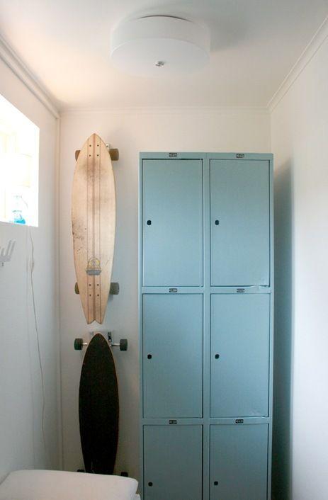 Lockers in entry