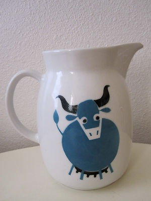 "Vintage Arabia Finland Kaj Franck Large 8"" Pitcher Blue Cow Bull Scandanavian"