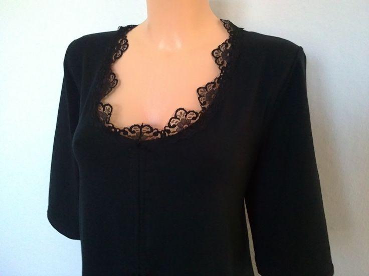 Halenka-Femme fatale ll. Halenka,tričko,z černé,elastické ba,,,s rukávem k loktům,,,po celém obvodě je našitá elastická černá krajka,v dekoltu jsou k řasení šnůrky,,takže hloubku si tvarujete sami.praní na 30.st,žehlení ba. prsa-119cm boky-119cm dlouhá-75cm