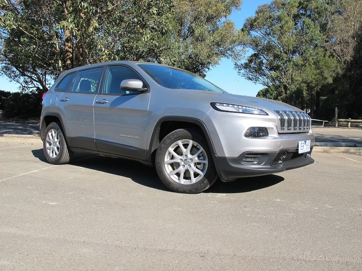 2014 Jeep Cherokee Sport Review  - http://www.caradvice.com.au/296654/2014-jeep-cherokee-review-sport/