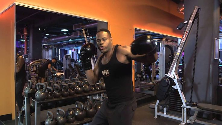 Learn more about the basics of boxing from Crunch Personal Trainer Antonio Freeman. #CrunchGym #TrainerTips