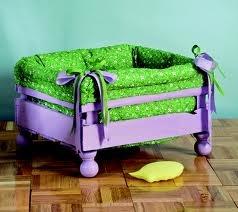 camas para perros , realizadas con cajon de verduras , excelente idea ♥