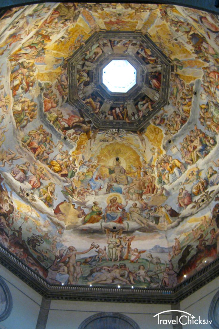 Inside the Duomo in Florence, Italy. This and other must-see places to see in Florence. #art #europe #cathedrals