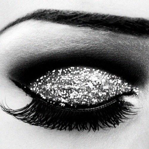 Make Up, Eye Makeup, Eye Shadows, Beautiful, Glitter Makeup, New Years Eve, Eyemakeup, Hair, Glitter Eyeshadows