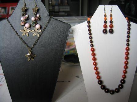 Takı teşhiri için  présentoir collier