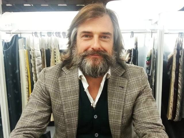 Le Centre de Florence pour la mode italienne (CFMI), vient de nommer à sa tête l'entrepreneurAndrea Cavicchi. Le nouveau président succède ainsi à Stefano Ricci, et est élu pour une durée de trois ans. Cet architecte indépendant, occupera cette fonction, conjointement avec la présidence de Furpile Idea, ainsi que l'Union..