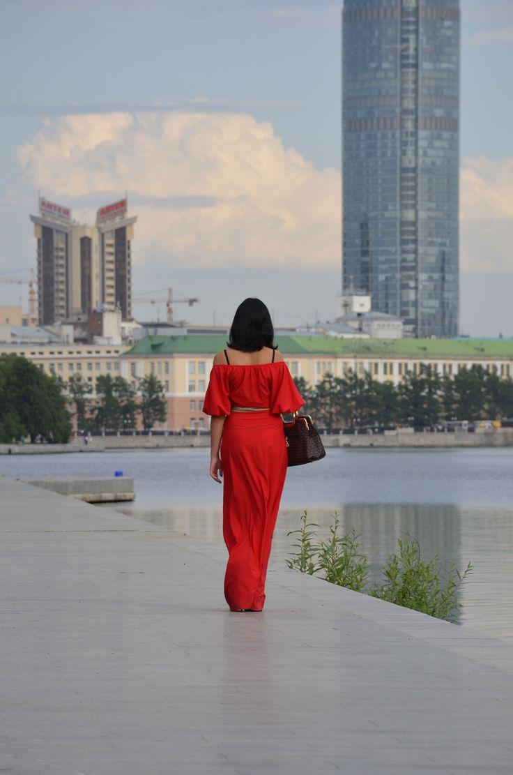 Екатеринбург, девушка, девушка в красном, набережная