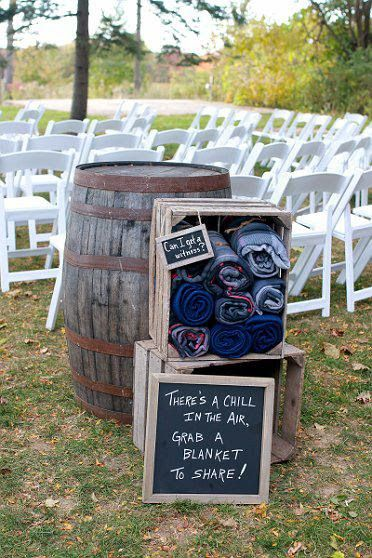 Enjoy a fabulous rustic Fall wedding idea! Don't let the cooler weather ruin plans for an outdoor ceremony. Have your guests snuggle-up with a cozy blanket!
