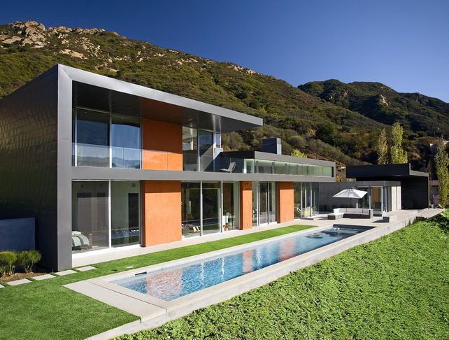 Modern narrow pool -  Abramson Teiger Architects