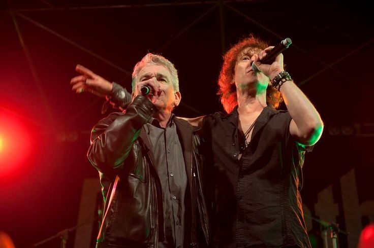 Legends Of Rock, Dunfermline ... Carl introduced Dan to sing the lead vocal on the final encore Broken Down Angel, photos by Marc Marnie.