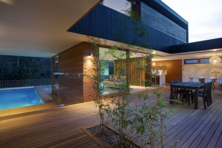 http://o.homedsgn.com/wp-content/uploads/2011/07/Narrabeen-House-10-3-750x500.jpg