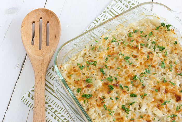 Sonkás sajtos rakott rizs a sütőből, elképesztően finom és pikk-pakk össze lehet dobni