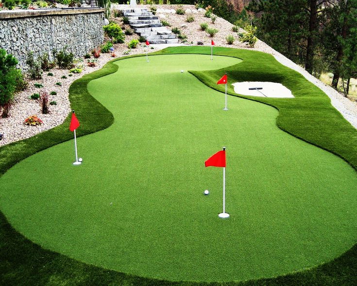 Putting Green with Bunker Get a professional golf green or ...