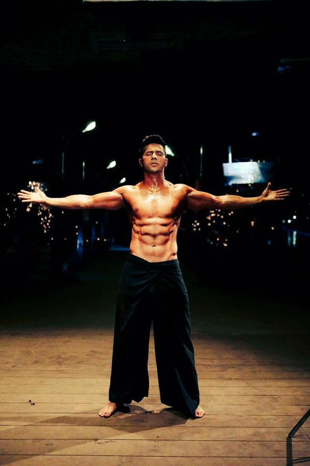 Varun Dhawan shared this still from the song 'Chunar' from ABCD 2. #Bollywood #Fashion #Style #Handsome