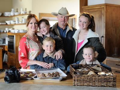 Ree Drummond Is A Writer Photographer Ranch Wife And Mother Of Four