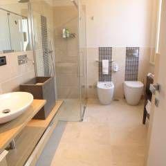 Bagno Zona Note Casa Mazzara due: Bagno % in stile % {style} di {professional_name}