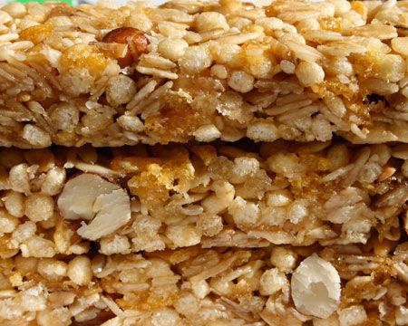 Grab-and-Go Crispy Granola BarsSneaky Chef, Homemade Granola, S'Mores Bar, Healthy Snacks, Protein Bar, Granola Bar, Crispy Granola, Health Tips, Fast Food