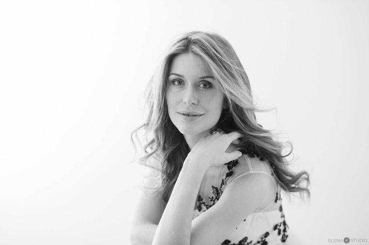 elena k studio - fotografa a Milano che realizza book e ritratti contemporanei di ragazze e donne